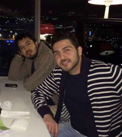محمدرضا غفاری و مهرداد صدیقیان در رستورانی شیک + عکس
