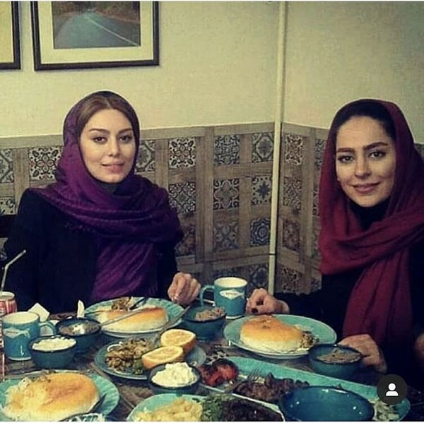 سحر قریشی و سمانه پاکدل در رستورانی سنتی /عکس