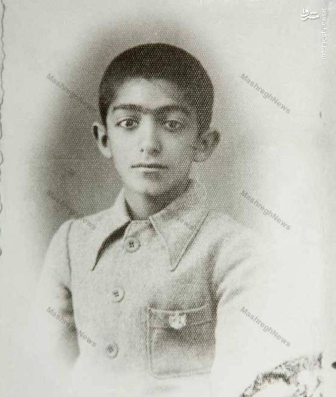 تصویری از کودکی استاد عزت الله انتظامی