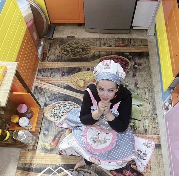 بهاره رهنما در تیپ آشپزباشیها /عکس