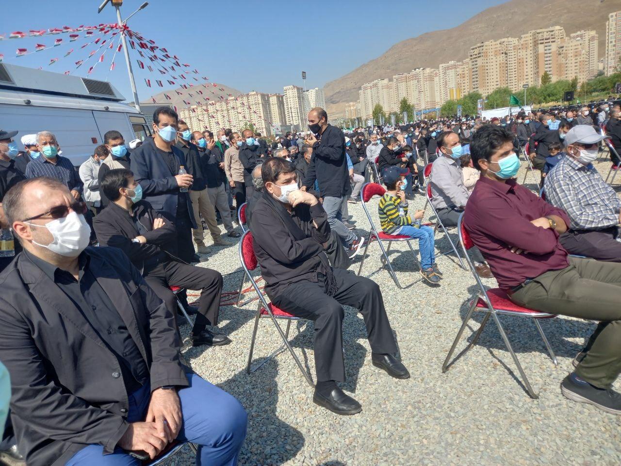 تشییع و خاکسپاری پیکرهای دو شهید گمنام در کنار دریاچه چیتگر