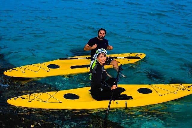 قایق سواری خواننده مشهور و همسرش +عکس
