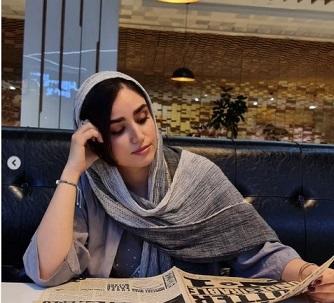 ژست عجیب هانیه غلامی در کافه /عکس