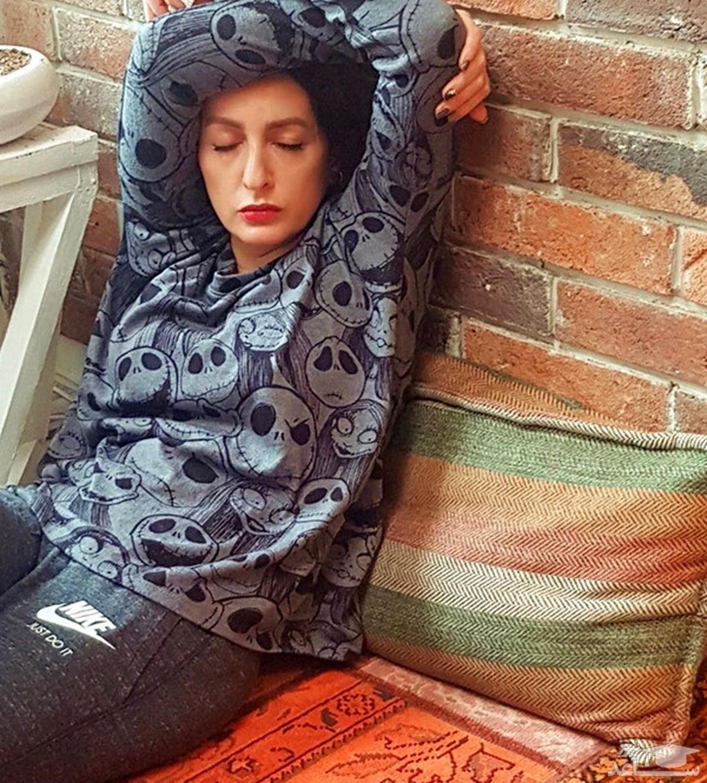 عکس یهویی از شقایق دهقان با لباس های خانگی