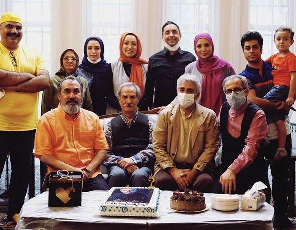 جشن تولد جواد رضویان در میان همکارانش /عکس