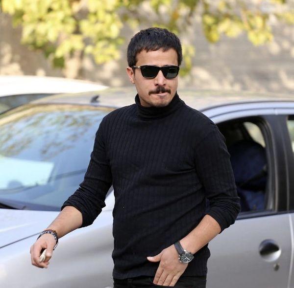 تیپ مشکی حسین سلیمانی با عینکش تکمیل شد /عکس