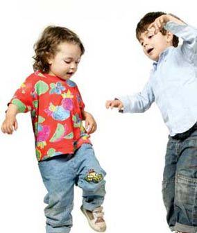 با بچههای بیادب در مهمانیها چه کنیم؟!