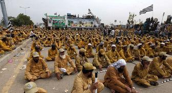 ضربالاجل اسلامگرایان پاکستان به عمران خان برای استعفا