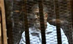 خودداری مرسی از ثبت حضورش در دادگاه