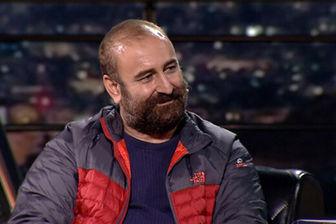 فرشید نوابی در کنار بازیگر پایتخت/ عکس