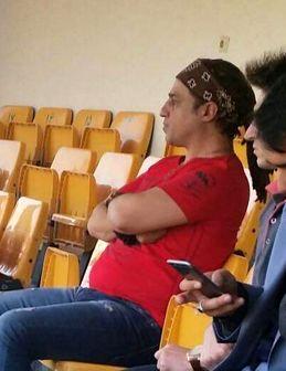 بازیگر سینما در ورزشگاه اهواز کتک خورد+عکس