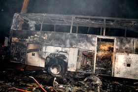 اتوبوس زائران پاکستانی در ایلام آتش گرفت