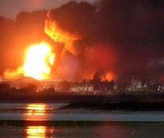 آتشسوزی گسترده در یک مجتمع صنعتی انگلیس +عکس