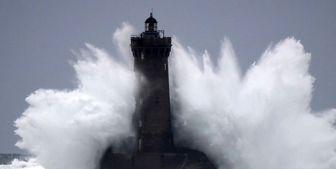 قطع برق 14 هزار خانوار فرانسوی بر اثر طوفان