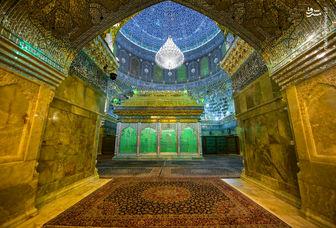 تصویری دیدنی از اقامه نماز در حرم امام هادی (ع) /عکس