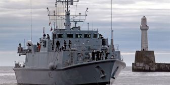 فرار کشتی مین روب انگلیس از خلیج فارس بعد از رزمایش سپاه