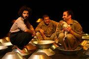 «آخریننامه» نوید محمدزاده و پوریا رحیمی سام بر صحنه تئاتر +تصاویر