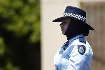 دغدغههای نخستین پلیس محجبه در ویکتوریا+عکس