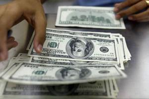 کاهش نرخ دلار در بازار +جدول