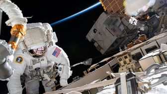 شروع یک پیاده روی فضایی در ایستگاه فضایی بین المللی ISS طی امروز