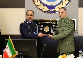بازدید وابستگان نظامی از دانشگاه شهید ستاری