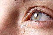 چگونه اشک خود را در زمان احساسی شدن، کنترل کنیم؟