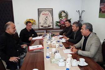 انصاریفرد با گرفتن اختیار از هیات مدیره به دفتر وزیر ورزش می رود