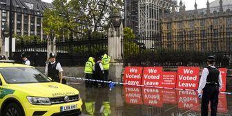 بازداشت فردی که در مقابل پارلمان انگلیس قصد خودسوزی داشت