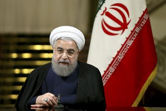 روحانی: انقلاب اسلامی به فکر و هنر ما عزت بخشید