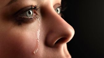 فواید گریه کردن و اشک ریختن برای سلامتی