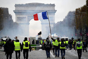 هزینه 11 میلیارد دلاری بحران فرانسه برای دولت ماکرون