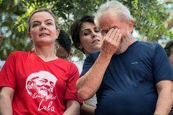 درخواست وکلای برزیلی برای آزادی داسیلوا