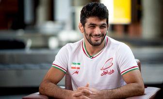 استقبال باشکوه مردم از حسن یزدانی در فرودگاه امام (ره)+ فیلم