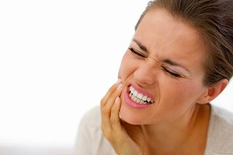 تفاوت دندان درد و حساسیت دندانی چیست؟