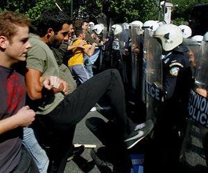 اروپا در اعتصاب و تظاهرات ضد دولتی + تصویر