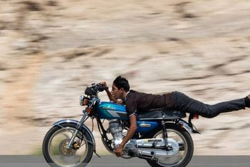 تفریح خطرناک موتورسواران تبریزی!/ گزارش تصویری