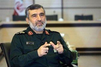 سردار حاجیزاده: ارتش و سپاه در کنار هم هویت پیدا میکنند