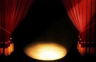فساد اخلاقی و ولنگاری در تئاتر ایران بسیار زیاد است
