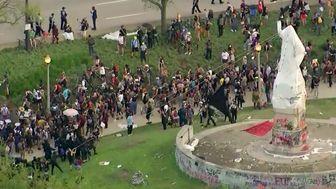 درگیری معترضان در شیکاگو با پلیس + تصاویر