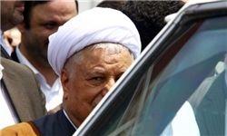 هاشمی: در زندان دفترها را از زیر عبا به همسرم میدادم و او هم از زیر چادر میگرفت