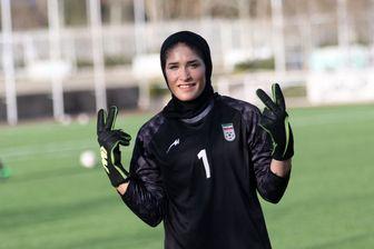 ارزش حجابم بالاتر از لژیونر شدن است