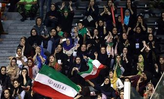 متولی حضور یا عدم حضور بانوان در ورزشگاه آزادی فدراسیون نیست