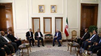 تاکید ظریف بر حمایت ایران از مقاومت