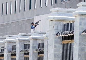 جسد یکی از تروریستها در داخل مجلس/عکس