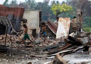 نظامیان میانماری با خانههای مسلمانان هم سرجنگ دارند