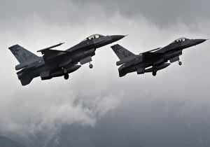 حملات هوایی و توپخانهای رژیم سعودی به «الحدیده» یمن