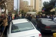 رانندگان بخش خصوصی شرکت واحد اتوبوسرانی مقابل وزارت کشور تجمع کردند