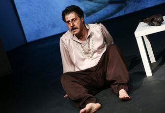 چهره متفاوت رحمت «پایتخت» روی صحنه تئاتر/عکس
