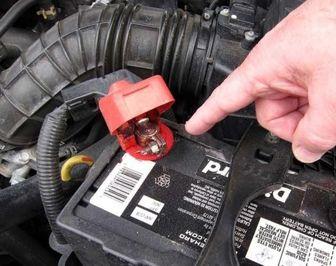 آشنایی با انواع باتری اتومبیل و روش های نگهداری آن