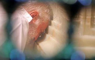 تشرف امام خامنهای به حرم مطهر رضوی پیش از آغاز مراسم غبارروبی/ عکس